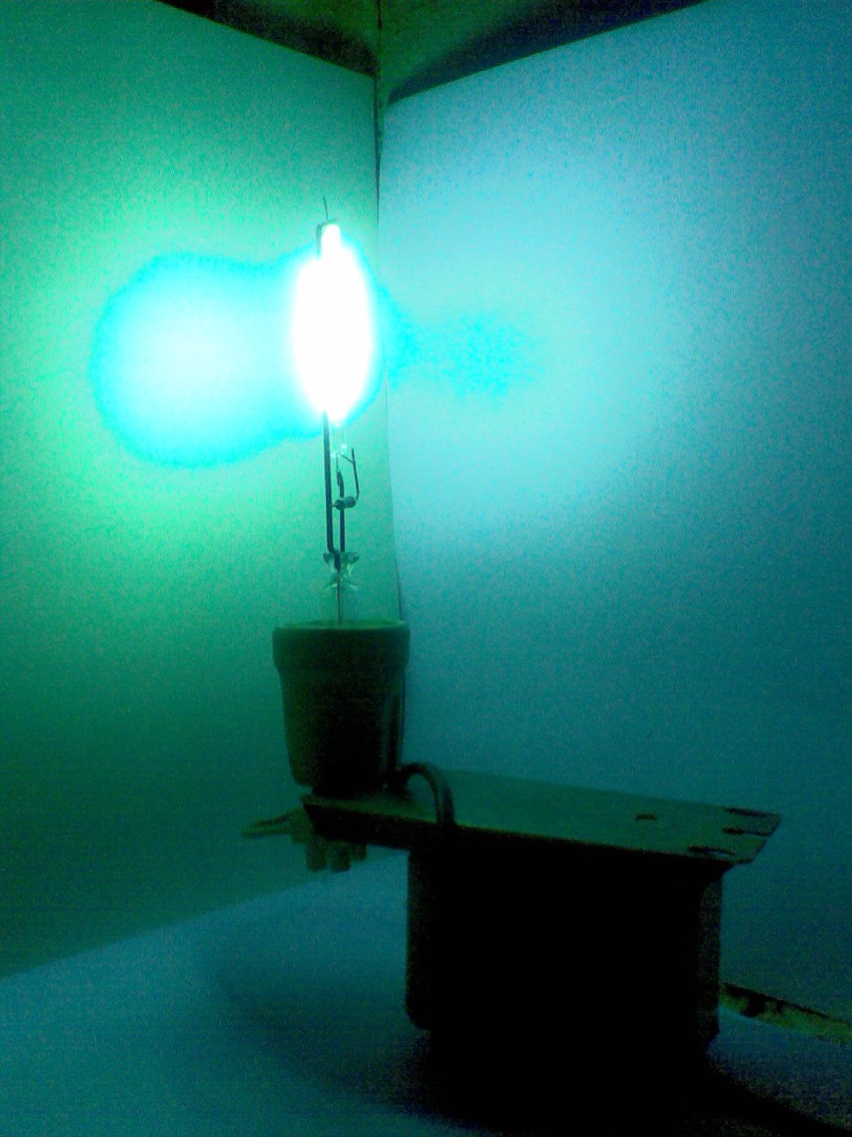 Кварцевую лампу сделать очень просто